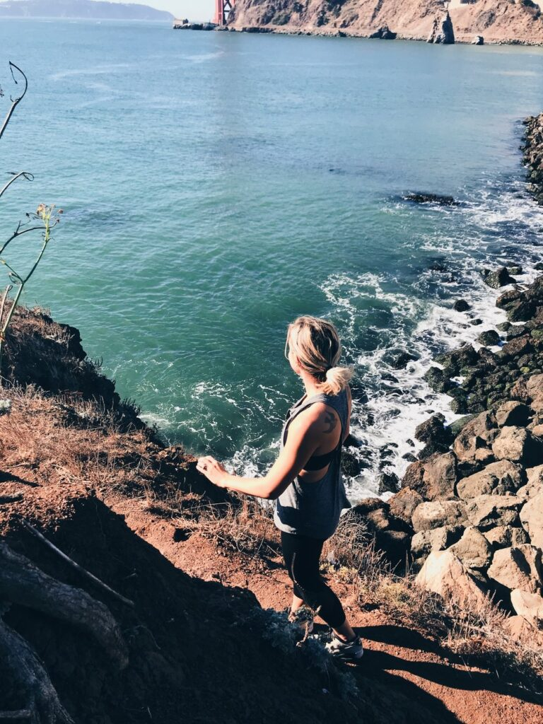 It's hard to make time for a mindfulness practice. 5 reasons why meditative walking is one of my favorite mindfulness activities.