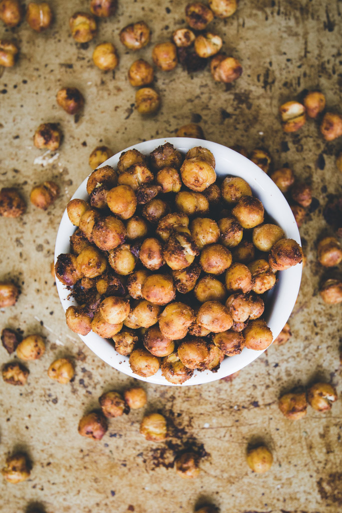 Roasted chickpeas in a bowl.